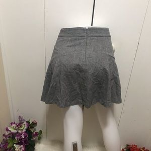 Banana Republic Gray Mini Skirt Size 2